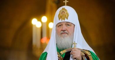 Патриарх молится о погибших в Петербурге и призывает встать на борьбу с насилием